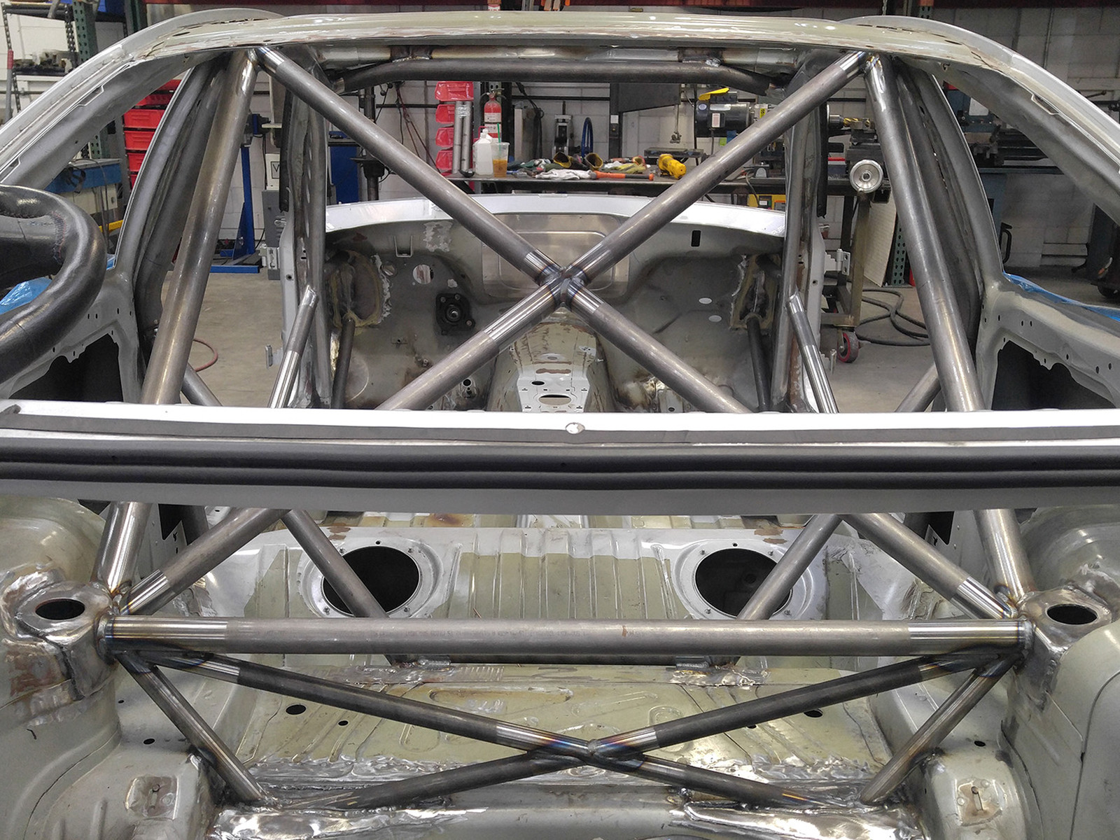Who Builds A Race Cage For The X Can Am
